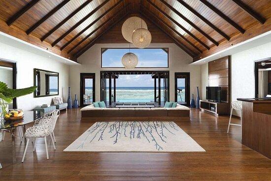 Two Bedroom Ocean Pool Pavilion living room