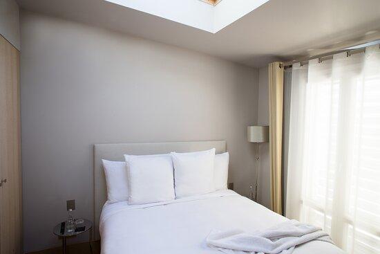 Apartment 9 Room 3