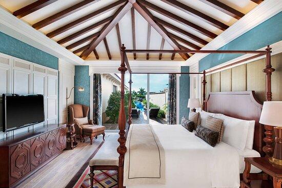 One-Bedroom Pool Villa - King Bedroom