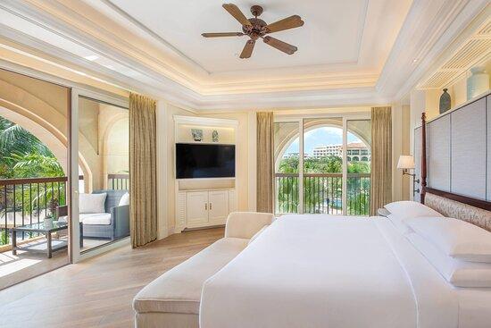 Deluxe Two-Bedroom Suite - Garden View