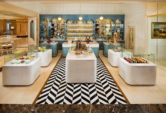 Emirates Palace Le Cafe Retail