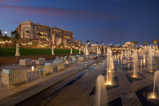 Emirates Palace Le Cafe By The Fountain (evening )