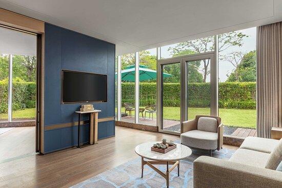 Garden Suite - Living Room