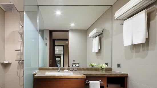 Lotte City Standard Bathroom
