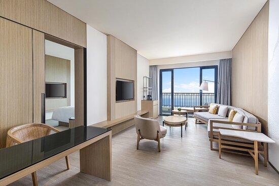 Comfort Seaview Suite Living Room