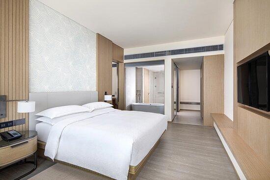 Comfort Seaview Suite Bedroom