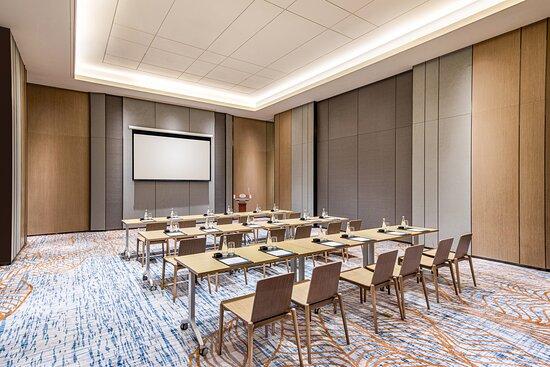 Meeting room - Classroom Setup