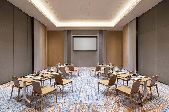 Meeting Room - Fishbone Setup