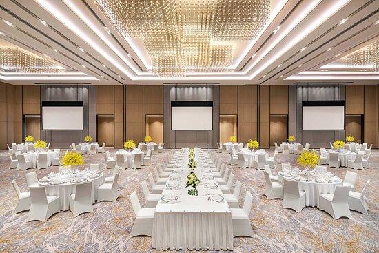 Grand Ballroom - Western Wedding Setup
