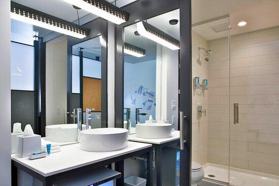 King Loft - Bathroom