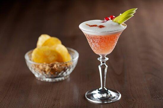 El Modernista Bar - Strawberry Pisco Sour
