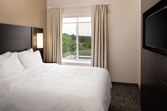 Two-Bedroom Suite - Queen Bedroom