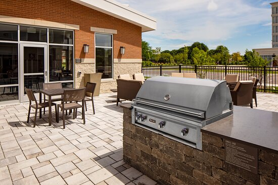 Outdoor Area - Grill