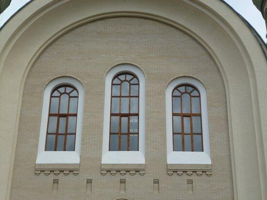 Оригинальные архитектурные решения в наружном декоре храма