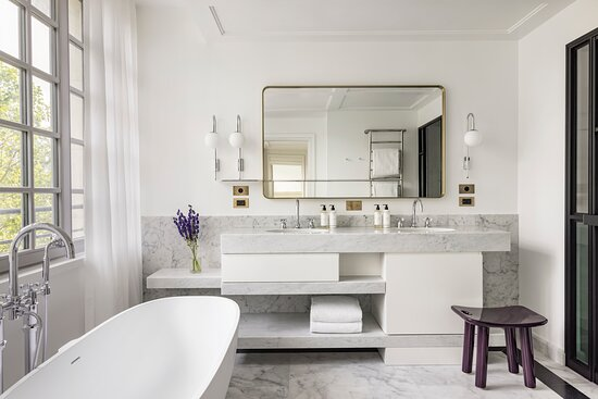 Suite Collection Bathroom