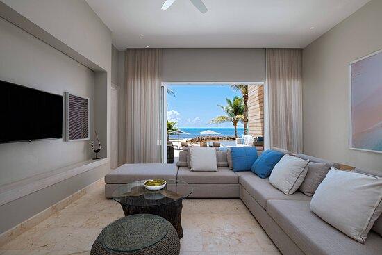 Three-Bedroom Beachfront Villa - Living Room