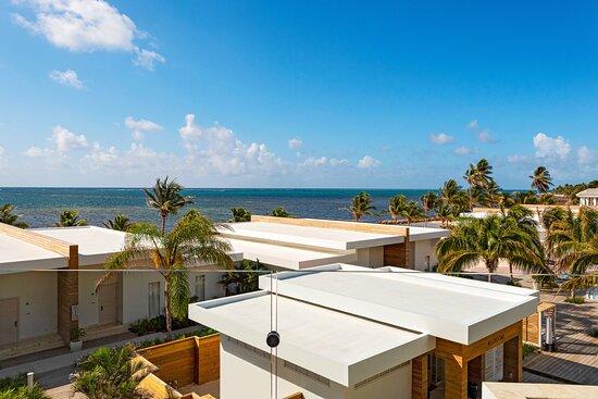 One-Bedroom Oceanview Vista Suite - Oceanview