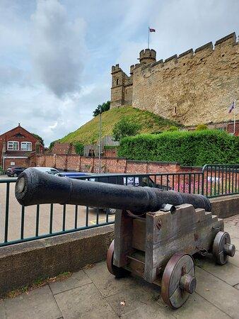 Canon outside Lincoln Castle (04/Jul/21).