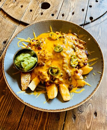 Chilli cheese and dirty fries 🤩