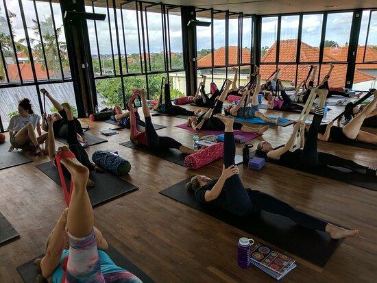 Loka Yoga School