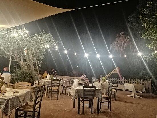 "Insegna esterna - Εικόνα του Torre Sabea ""cucina Agricola"", Καλλίπολη - Tripadvisor"