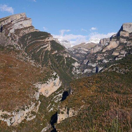 Un profond canyon d'Aragon, on se croit au Sud du Mexique alors qu'on est qu'à 1 h de la France, dans l'Espagne sauvage.