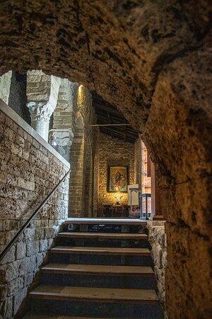 Salita da cappella sotto altare maggiore