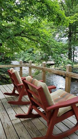Relax on your own deck overlooking Jonathan Creek