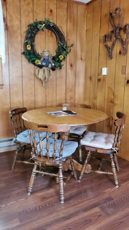 Dining area in cottage 5