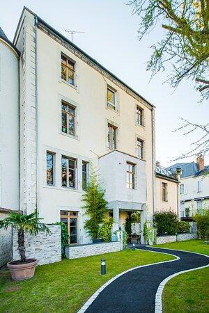 Villa C Hôtel**** arrière, cour, pelouse
