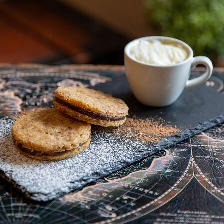 Cookies & Mini White Hot Chocolate