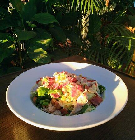 Loutraki, Grèce : Cesar's salad is always the best choice 😋🥗