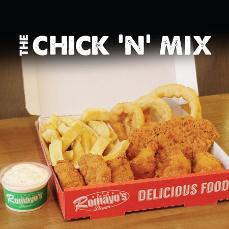 1x boneless breaded breast fillet, 3x crispy chicken wings, 3x succulent chicken goujons, 3x delicious onion rings, real hand-cut chips & choice of one of our homemade dip sauces. Yes please!