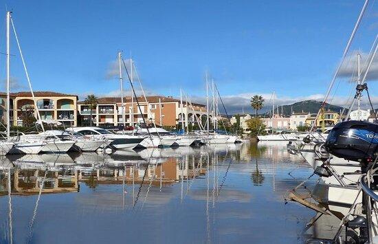 Port réservé aux bateaux de moins de 12,5 m.