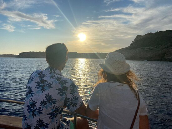 Sunset Experience | 2 hours boat trip at sunset time: Atardecer muy bonito.