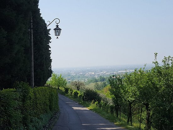 ASOLO and PROSECCO DAY TOUR: Enchanting surrounds of Asolo
