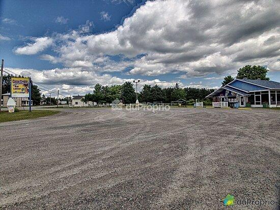 Sainte-Thecle, Canada: Casse Croute a Vendre