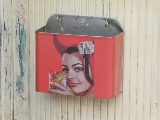 waste bin at the counter