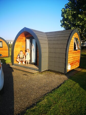 Great PODS- right on the beach!!!