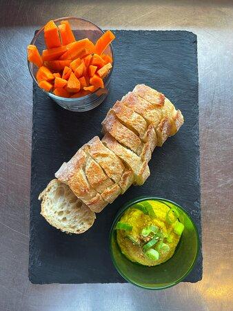 LeHummus de la Roulotte et ses carottes