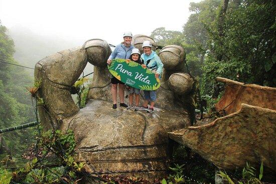 Parque Nacional Vulcão Arenal, Costa Rica: Zip line and Hike to waterfall...Pura vida!
