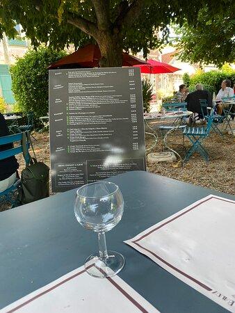 dans le jardin - Picture of Restaurant Baudy, Giverny - Tripadvisor
