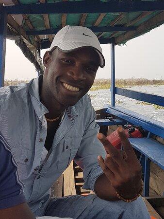 Ganvie, בנין: Justin Fagnon Avocètien. Très bon guide de tourisme sur Ganvié. N'hésitez pas à le contacter sur Facebook. Il saura vous faire découvrir de merveilleux endroits toujours avec le sourire.