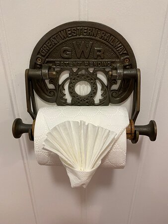 Foto de The Great Western Hotel, Taunton: iconic bathroom furniture - Tripadvisor