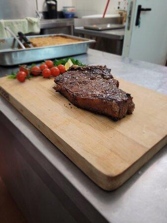 Il bisteccone con sale grosso