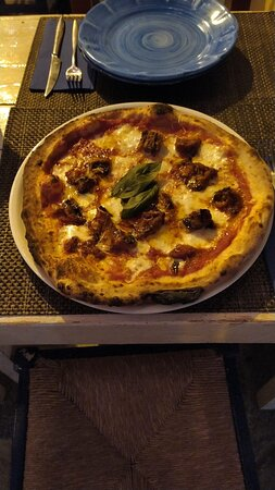 """Neapolitan pizza with """"48 hours of leavening"""""""