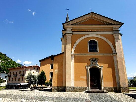 Vercana, Italy: Chiesa parrocchiale San Salvatore