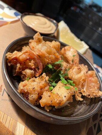 Vinaria Kiti : Salt & Pepper Squid Tapas