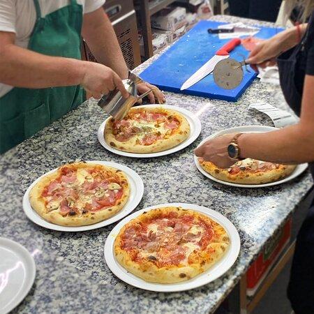 Trabajo en equipo. Restaurante Pizzería Sorelle D´Italia, Los Alcázares