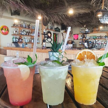 Delivery: e-parto.gr 🛵https://cutt.ly/Xm2zbsx  #CoconesBar #Cocones #BlueFlagBeach #CocktailBar #Polichrono #Halkidiki #Cocktails #StreetFood #Shisha #HalkidikiBars #Summer2021
